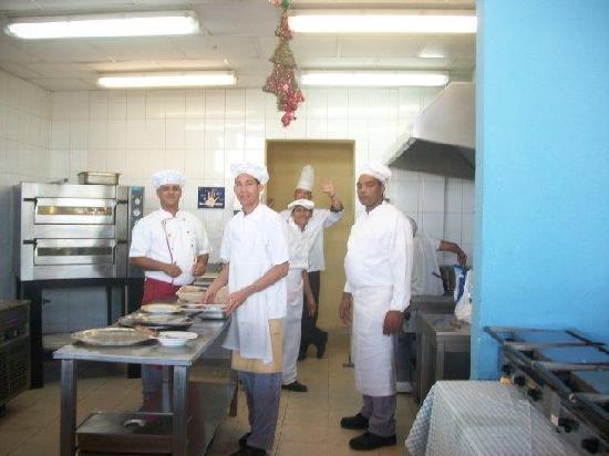 IBEROSTAR Playa Blanca: Wonderful Cooks at lunch area near pool