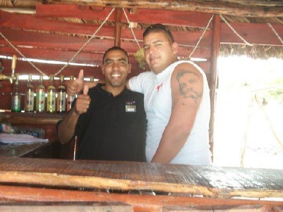 IBEROSTAR Playa Blanca: Bartender at beach bar and life guard