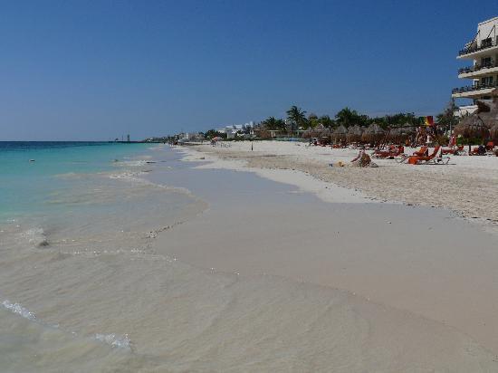 Dreams Riviera Cancun Resort & Spa: beach