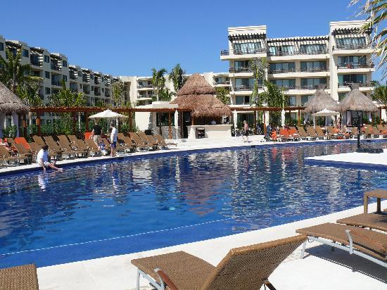 Dreams Riviera Cancun Resort & Spa: pool