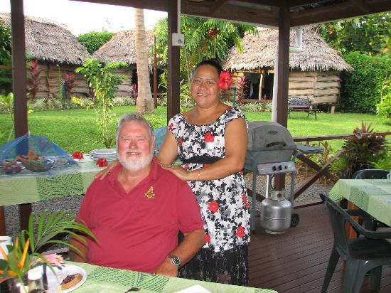 Samoan Outrigger Hotel: Breakfast on the verandah