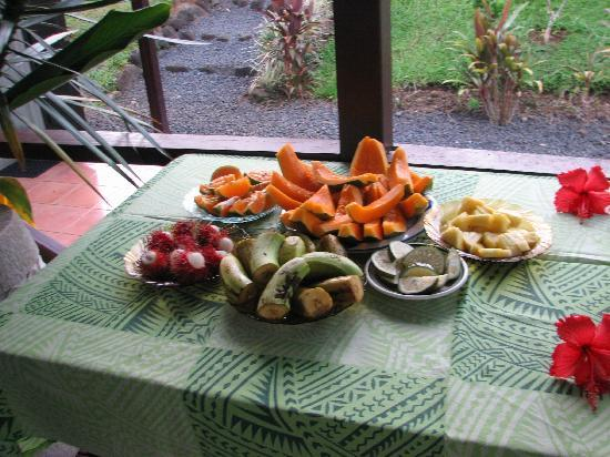 Samoan Outrigger Hotel: Tropical breakfast