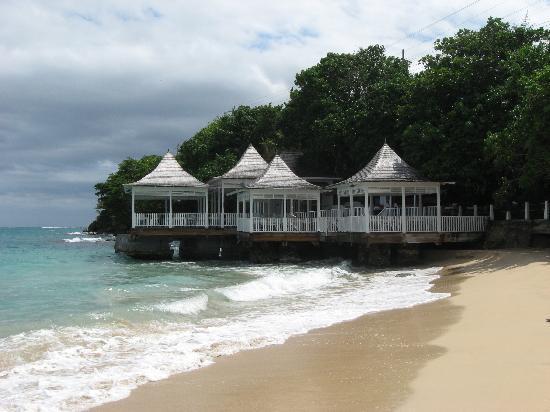Couples Tower Isle: Bayside Restaurant