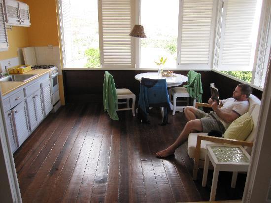 Sugarapple Inn: room 1