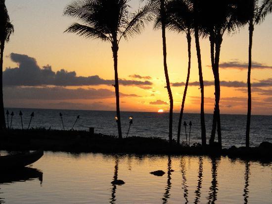 Grand Wailea - A Waldorf Astoria Resort: Hawaii sunset from their restaurant