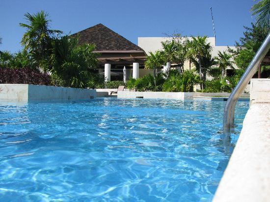 Fairmont Mayakoba: The big - central pool