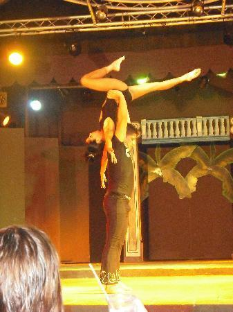 TRYP Cayo Coco: Great acrobatic act