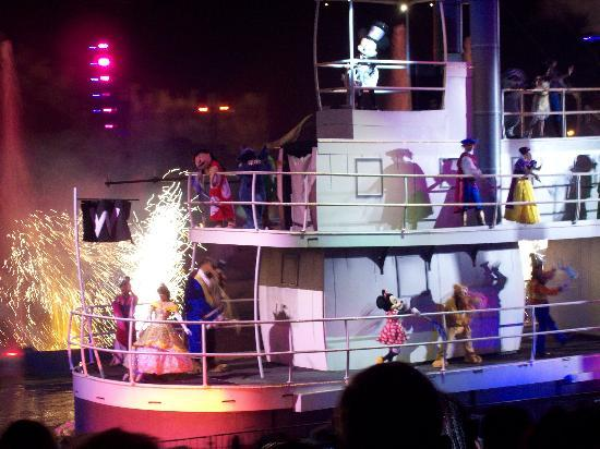 Disney's Hollywood Studios: Fantasmic!