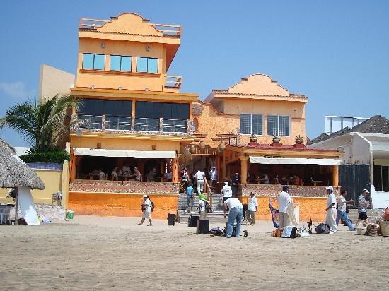 Pancho's: i  este es el lugar mas visitado e mazatlan