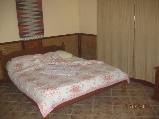 Dangkalan Beach Resort and Restaurant: premier room fo two...