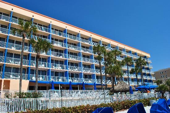 Doubletree Beach Resort by Hilton Tampa Bay / North Redington Beach: Hotel View From The Beach