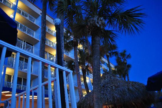 North Redington Beach, FL: Hotel View From The Tiki Bar