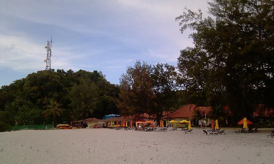 Sibu Island Resort: Main beach