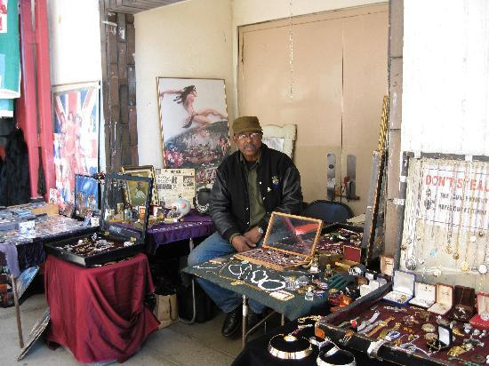 Melrose Trading Post: collectibles and antiques gallore