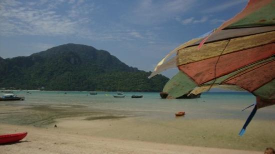 Ko Phi Phi Don, Thailand: Loh Dalum Bay, versi surut (lupa foto pas lagi kayak. huhu.)