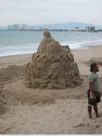 Noblesville, IN: Sand sculpture on the Malecon