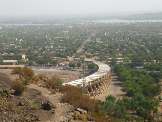 stade de bamako ou on a fait le concert de tiken jah