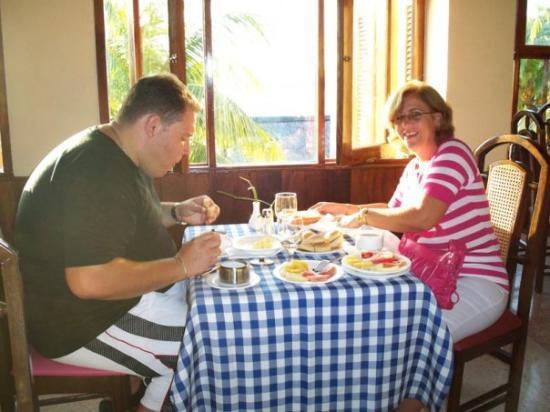 Desayunando en el Hotel Porto Santo, Baracoa Guantanamo