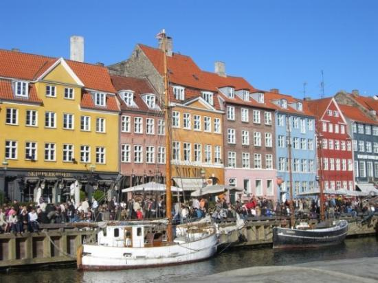 Nyhavn: Always pretty crowded, but not usually this much