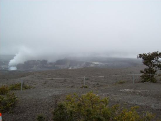 Hilo, HI: Crater del Volcan en erucción