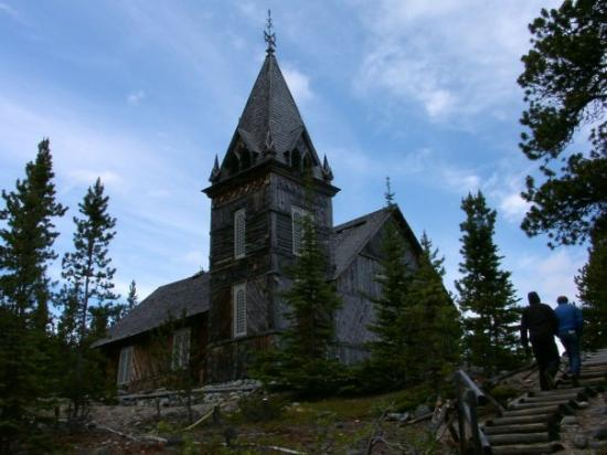 Juneau, AK: This is the only building still standing that was original. Obviously it is a church.