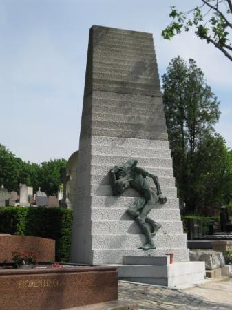 Pere-Lachaise gravlund (Cimetiere du Pere-Lachaise): Pere laChaise Cemetery Holocaust memorial