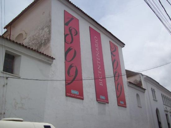 Sucre, Bolivia: Anuncio del Bicentenario.
