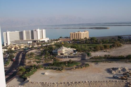 Ein Bokek, Israel: Dead sea shopping outlet + hotels