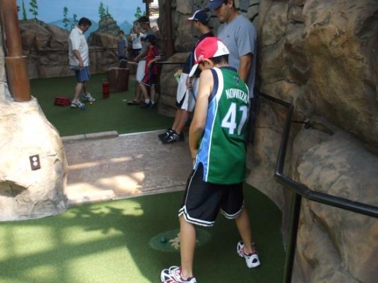 Mall of America: Isaiah mini-golf