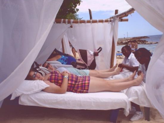 Ocho Rios, Jamaica: getting our feet massaged in jamaica