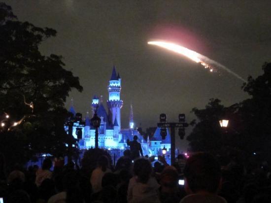 Disneyland Park: Fireworks at Disneyland.
