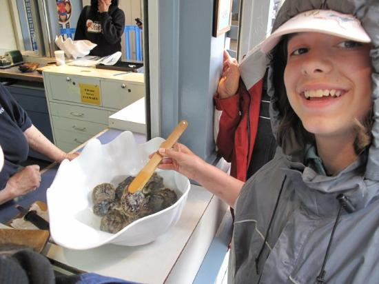 SeaWorld San Diego: Emma bought an Oyster with a pearl at Seaworld, Sandiego, California.