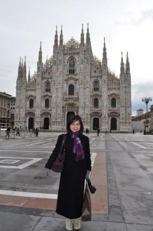 Duomo di Milano: Il duomo - the wedding cake church.. Totally falling in love with this building.. :)