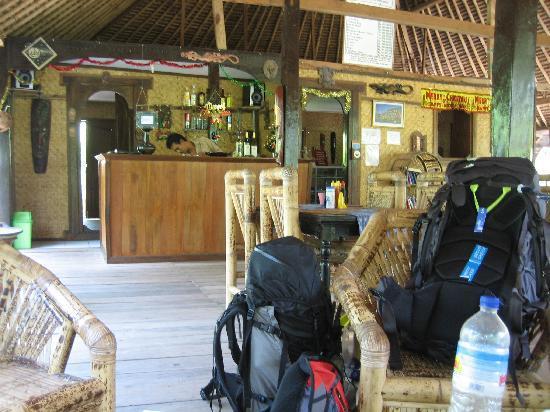 Coconut Cottages: Reception