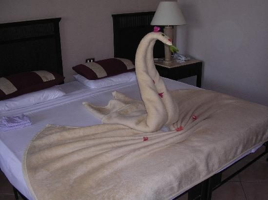 Jaz Dahabeya: Room sculpture