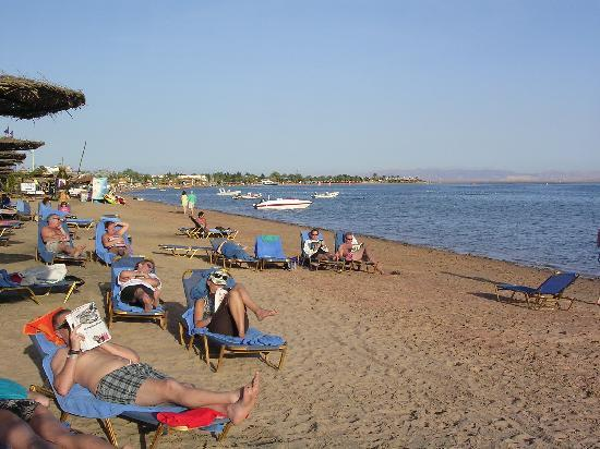 Jaz Dahabeya: The beach