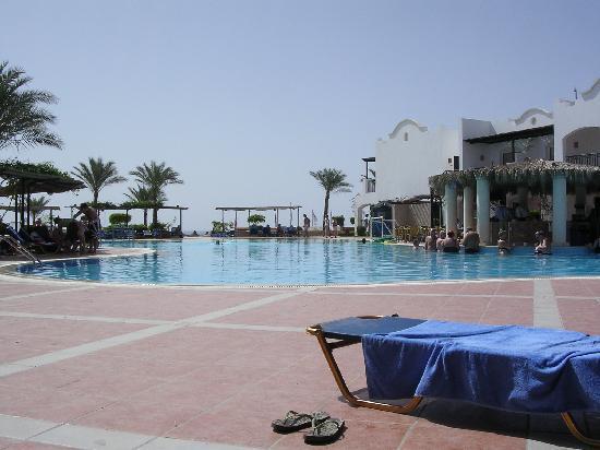 Jaz Dahabeya: The delightful pool