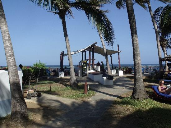 Voyager Beach Resort: Lookout bar