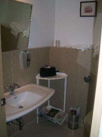 The E-SQUARE Hotel : Room 522 bathroom