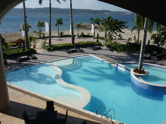 The Lighthouse Marina Resort: View of the pool from the viewing deck