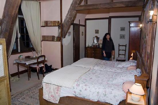 Manoir de Brion : Manor Bedroom
