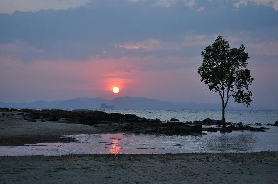 Nakamanda Resort & Spa: Coucher de soleil devant le Nakamanda