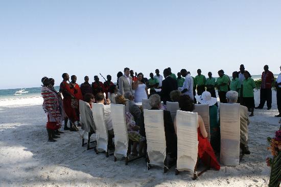 Pinewood Beach Resort & Spa: Masai warriors, a church choir and our family and friends around us