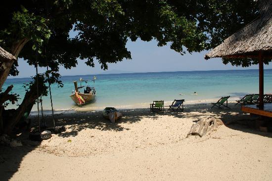 Phi Phi Relax Beach Resort: la plage....Magnifique