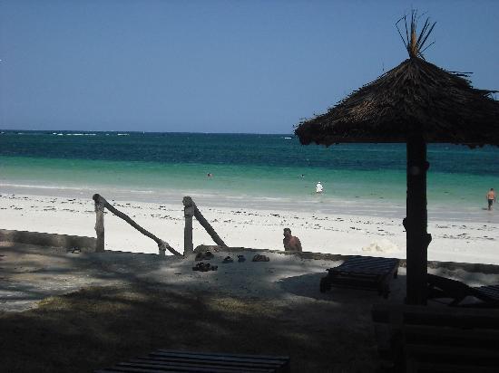 Diani Sea Resort: Straight onto the beach