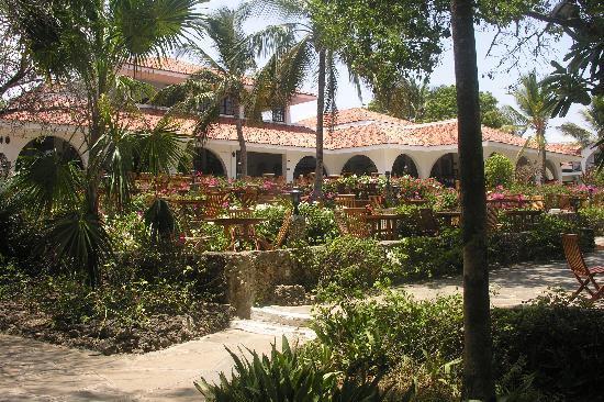 Diani Sea Resort: Looking towards the dining room