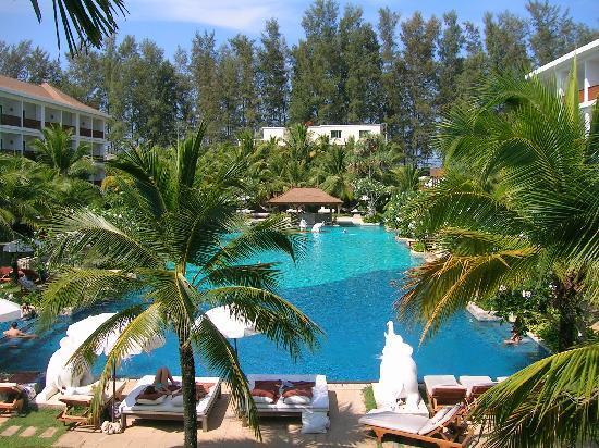 Naithonburi Beach Resort: Toller Pool...