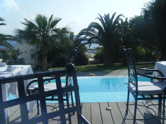 Tui Sensimar Elounda Village Resort & Spa by Aquila: view at breakfast