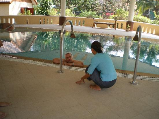 Tao Garden Health Spa & Resort: the hyrdotherapy pool