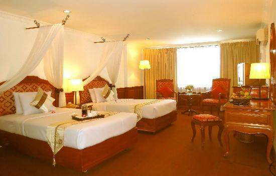 Royal Palace Hotel: hotel room